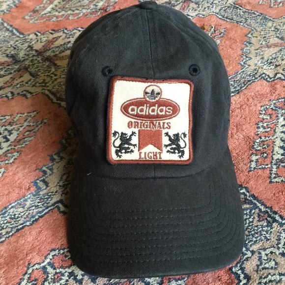 ae8d3ea3abb28 Vintage Adidas Originals Light trefoil hat RARE 🔥